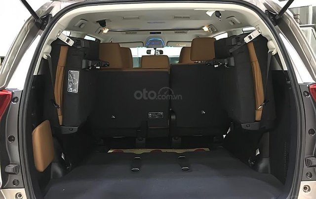 Cần bán Toyota Innova 2.0G  AT năm sản xuất 2019, giá 807tr2