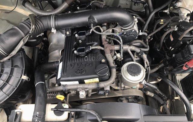 Cần bán Toyota Innova G năm 2011, màu bạc. Xe thuộc loại xuất sắc7