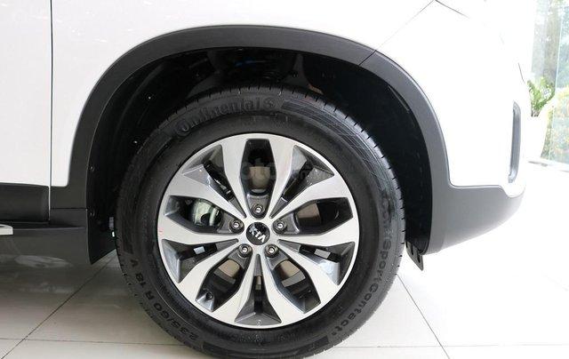 Bán ô tô Kia Sorento D năm sản xuất 2019, màu trắng, giá tốt8