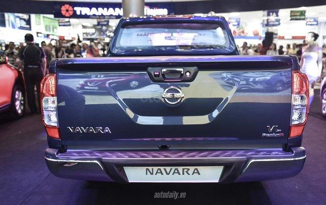 Bán xe Nissan Navara VL sản xuất năm 2019, màu xanh lam, nhập khẩu Thái2
