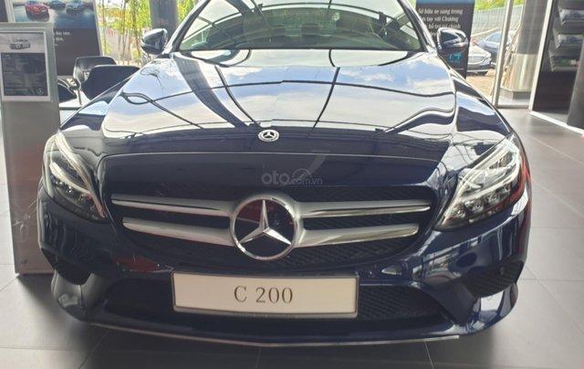 Bán Mercedes C200 mới 2019, ngân hàng hỗ trợ 80%, nhiều ưu đãi0