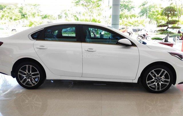 Kia Cerato - Giảm giá tiền mặt + Tặng bảo hiểm thân xe + Phụ kiện - Liên hệ PKD Kia Thảo Điền 0961.563.5933