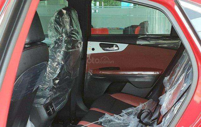 Cần bán Kia Cerato đời 2019, màu đỏ, giá chỉ 675 triệu2