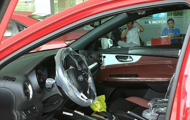 Cần bán Kia Cerato đời 2019, màu đỏ, giá chỉ 675 triệu1