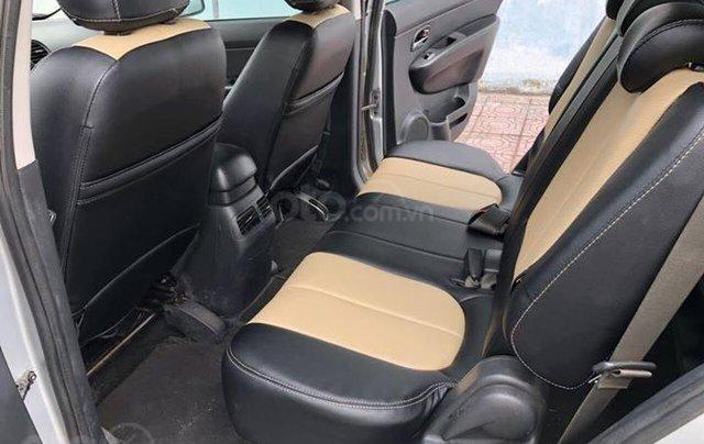 Cần bán gấp Kia Carens đời 2017, màu bạc còn mới, giá 387tr4