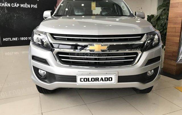 Bán Chevrolet Colorado 4x2 AT năm 2019, màu bạc, nhập khẩu2