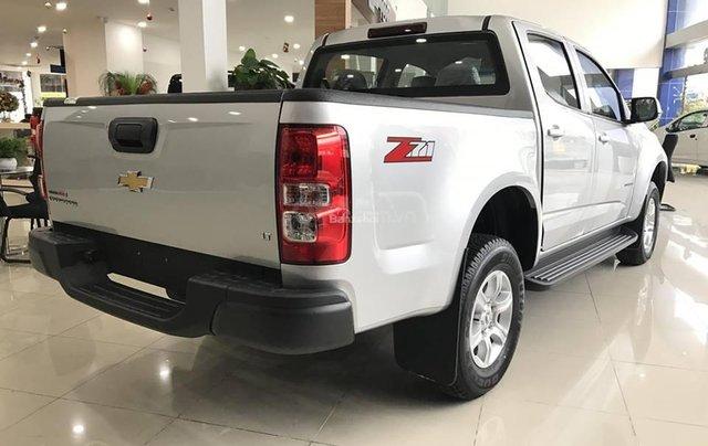 Bán Chevrolet Colorado 4x2 AT năm 2019, màu bạc, nhập khẩu5
