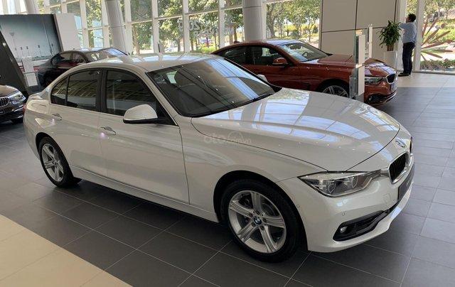 BMW 320i tặng 100% phí trước bạ, trả trước 20% nhận xe chỉ với 350 triệu, Hotline PKD - 0908 526 7270