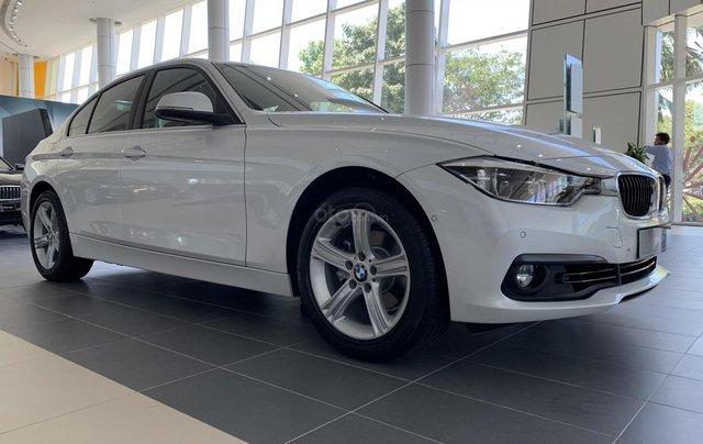 BMW 320i tặng 100% phí trước bạ, trả trước 20% nhận xe chỉ với 350 triệu, Hotline PKD - 0908 526 7272