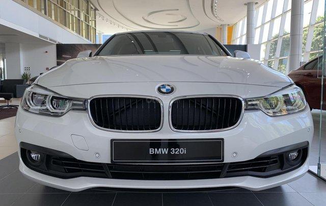 BMW 320i tặng 100% phí trước bạ, trả trước 20% nhận xe chỉ với 350 triệu, Hotline PKD - 0908 526 7271