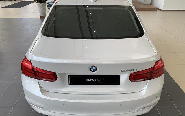 BMW 320i tặng 100% phí trước bạ, trả trước 20% nhận xe chỉ với 350 triệu, Hotline PKD - 0908 526 7279