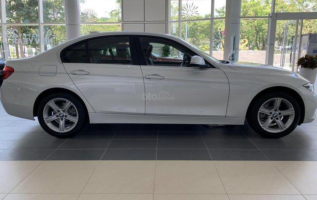 BMW 320i tặng 100% phí trước bạ, trả trước 20% nhận xe chỉ với 350 triệu, Hotline PKD - 0908 526 7273
