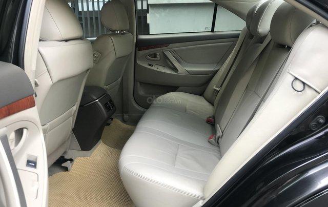 Bán Toyota Camry 2.4G năm sản xuất 2011, màu đen số tự động, 650tr5