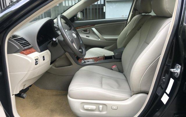 Bán Toyota Camry 2.4G năm sản xuất 2011, màu đen số tự động, 650tr6