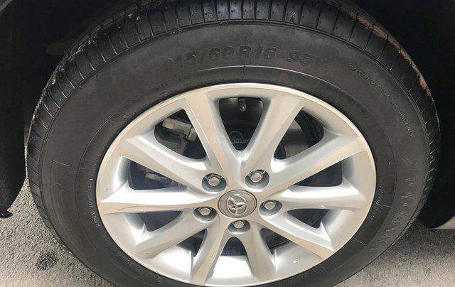 Bán Toyota Camry 2.4G năm sản xuất 2011, màu đen số tự động, 650tr9