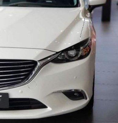 Bán Mazda 6 2.0 Prenium 2019, màu trắng4