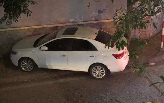 Cần bán xe Kia Forte MT sản xuất 2013, màu trắng chính chủ