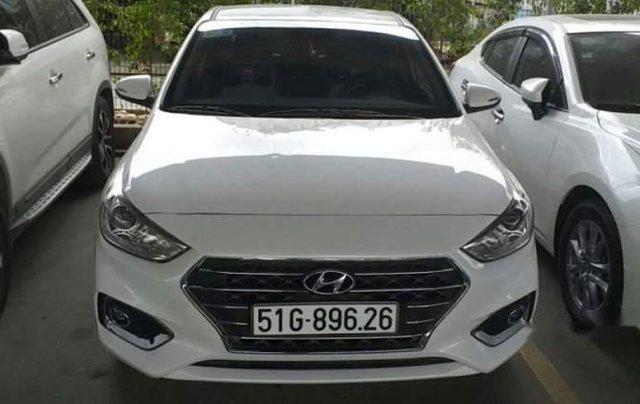 Cần bán xe Hyundai Accent đời 2019, màu trắng, 5 chỗ0