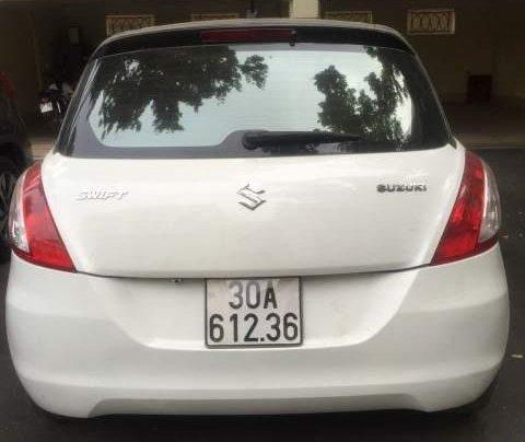 Chính chủ bán xe Suzuki Swift đời 2015, màu trắng1