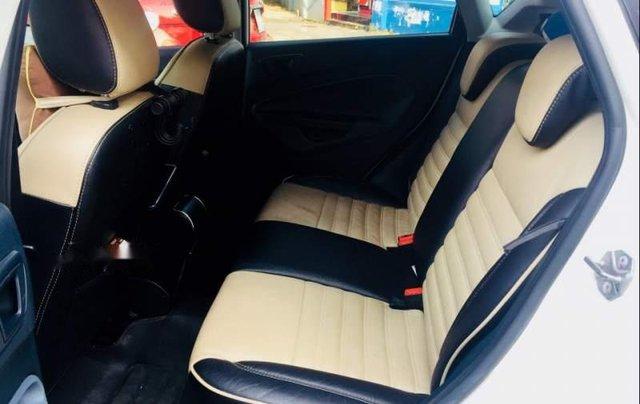 Bán xe Ford Fiesta 2011, xe gia đình sử dụng kĩ1