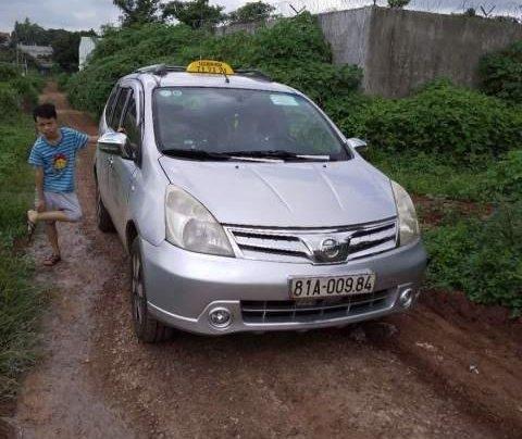 Cần bán gấp Nissan Grand Livina 2012, xe nhập, xe đang kinh doanh dịch vụ taxi3