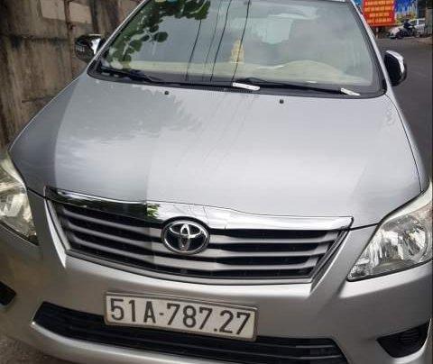 Bán xe Toyota Innova mẫu 2013, Đk lần đầu 2/2014 màu bạc0