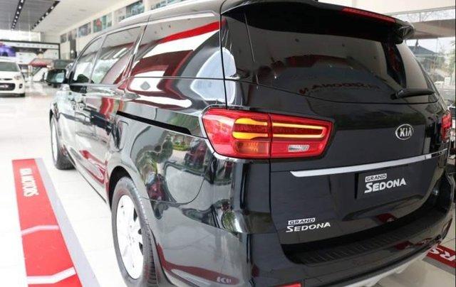 Cần bán Kia Sedona Luxury năm 2018, xe hoàn toàn mới1