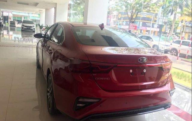 Bán ô tô Kia Cerato MT đời 2019, màu đỏ, 559tr1