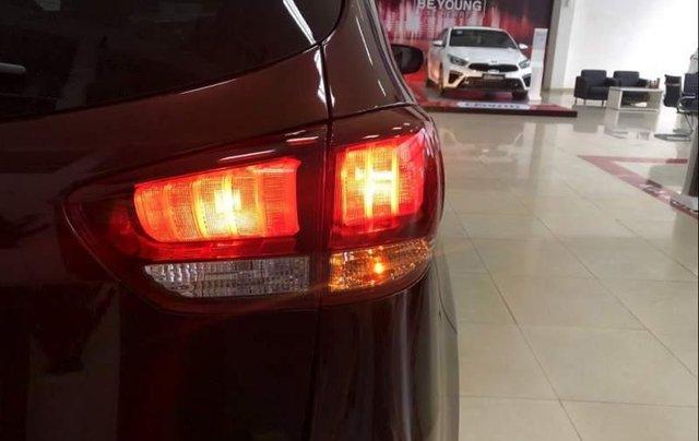 Bán Kia Rondo sản xuất năm 2019, màu đỏ, mới 100%1