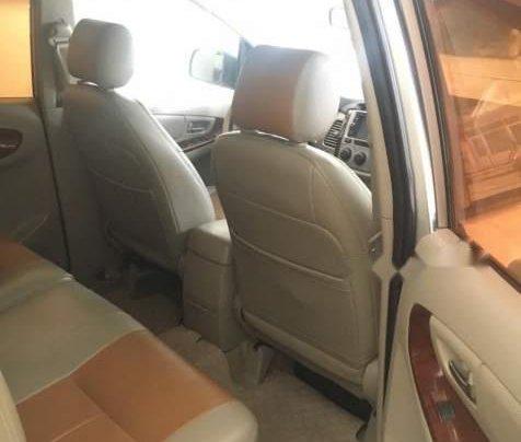 Bán Toyota Innova đời 2012, màu bạc, xe còn rất đẹp, máy êm, gầm bệ chắc chắn2