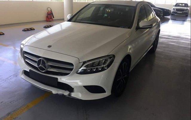 Bán Mercedes C200 năm sản xuất 2019, màu trắng, nhập khẩu, mới 100%0