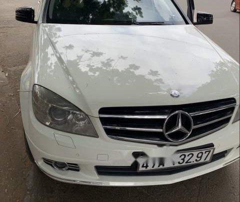 Bán xe Mercedes C250 năm sản xuất 2010, màu trắng, nhập khẩu nguyên chiếc, giá tốt0