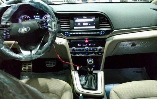 Bán ô tô Hyundai Elantra 2.0AT 2019, mới hoàn toàn1