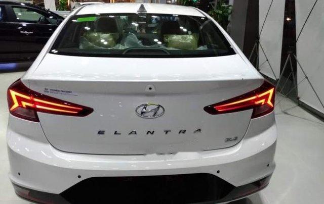 Bán ô tô Hyundai Elantra 2.0AT 2019, mới hoàn toàn3