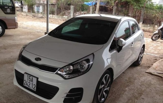 Bán xe Kia Rio sản xuất 2015, màu trắng, nhập khẩu nguyên chiếc như mới0
