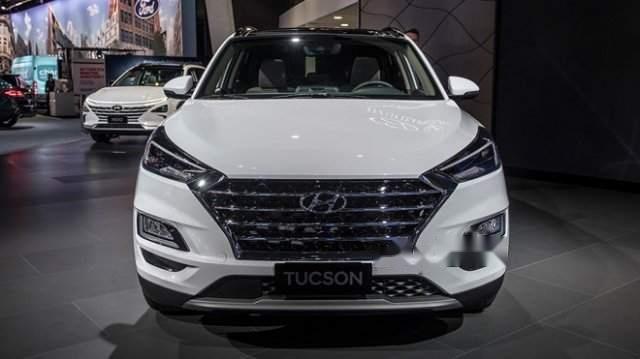 Bán xe Hyundai Tucson 2019, màu trắng, mới hoàn toàn1