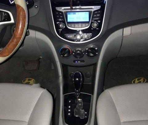 Chính chủ bán Hyundai Accent Blue sản xuất năm 2015, màu vàng, nhập khẩu1