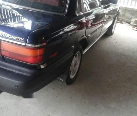 Bán Toyota Camry đời 1990, màu xanh lam, nhập khẩu nguyên chiếc số sàn1