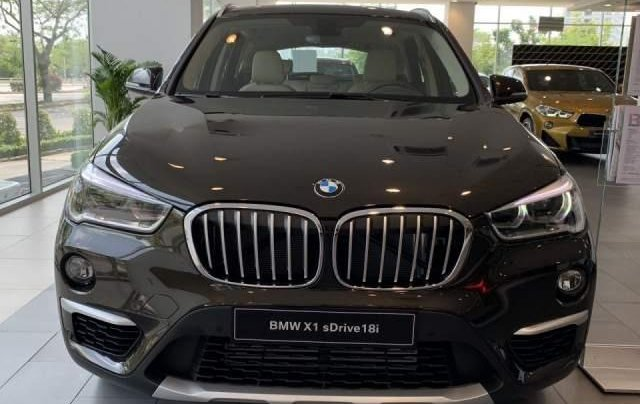 Bán BMW X1 sDrive18i năm sản xuất 2018, màu nâu, xe nhập0