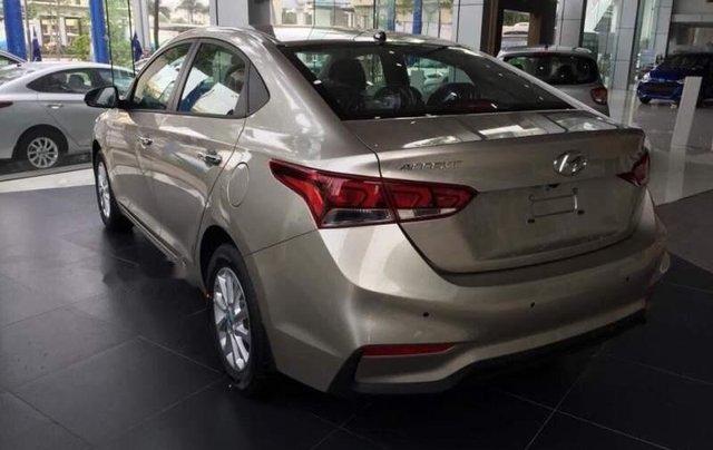 Bán Hyundai Accent màu vàng ghi, chỉ còn 1 xe duy nhất2