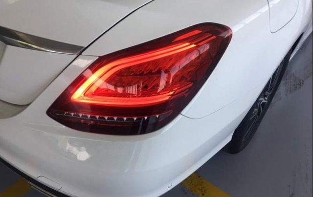 Bán Mercedes C200 năm sản xuất 2019, màu trắng, nhập khẩu, mới 100%2