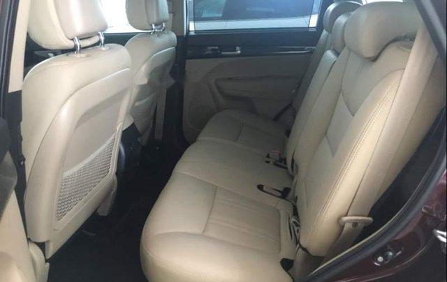 Cần bán Kia Sorento Deluxe G năm 2019, mới 100%5