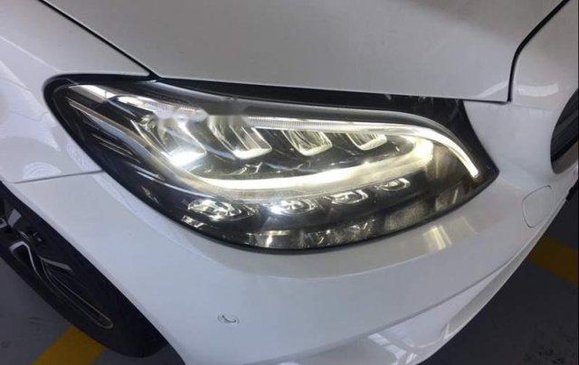 Bán Mercedes C200 năm sản xuất 2019, màu trắng, nhập khẩu, mới 100%1