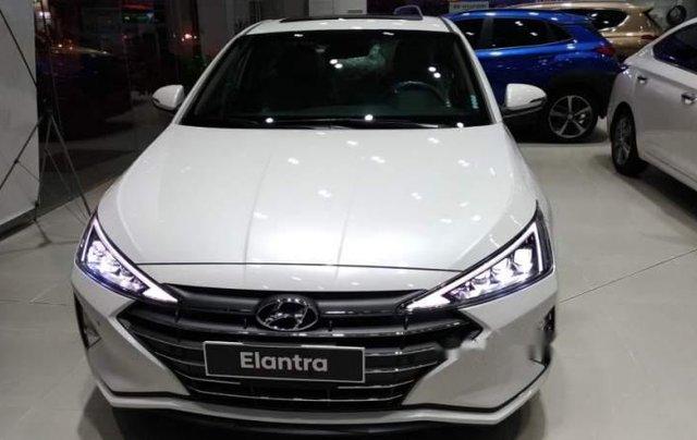 Bán ô tô Hyundai Elantra 2.0AT 2019, mới hoàn toàn0