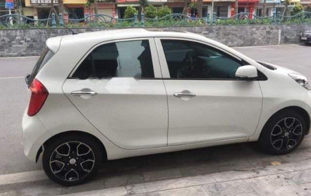 Cần bán gấp Kia Morning năm sản xuất 2013, màu trắng, xe chạy hơn 4 vạn3
