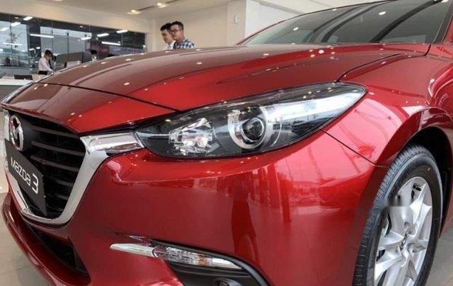 Mazda Trần Khát Chân bán xe Mazda 3 sản xuất năm 2019, màu đỏ1