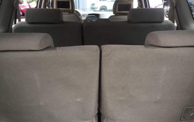 Cần bán gấp Toyota Innova 2.0E đời 2014, màu bạc, xe đẹp4