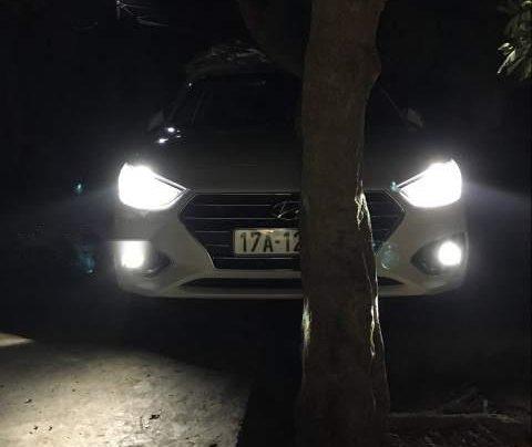 Bán Hyundai Accent sản xuất năm 2018, màu trắng1
