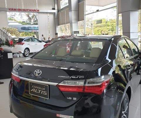 Cần bán xe Toyota Corolla Altis đời 2019 giá tốt2
