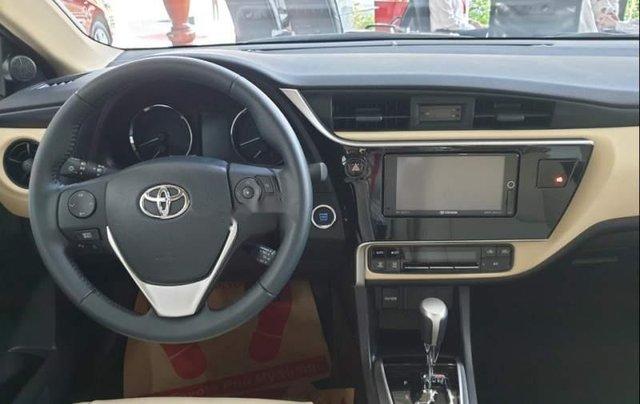 Cần bán xe Toyota Corolla Altis đời 2019 giá tốt5